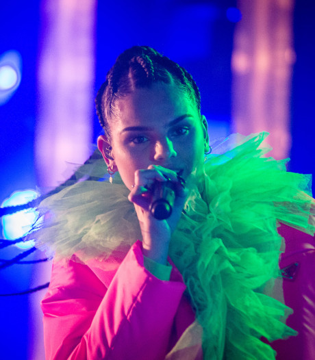 Famke Louise durft emotioneel lied voor overleden vader niet uit te brengen