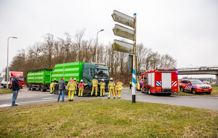 Dodelijk ongeluk bij Balkbrug. Een 70-jarige fietser uit Dedemsvaart kwam daarbij om.
