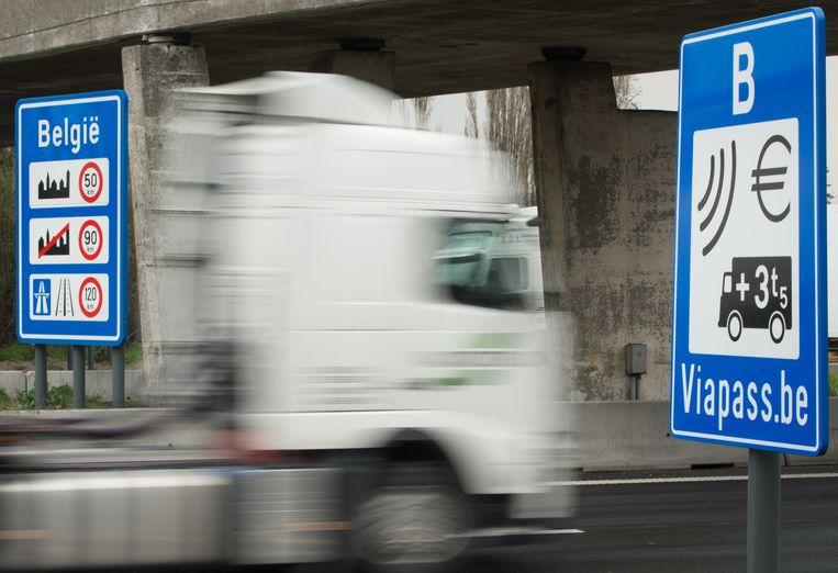 De Nederlandse transportbranchevereniging TNL klaagt dat de tolheffing in ons land niet fatsoenlijk werkt.  Beeld BELGA