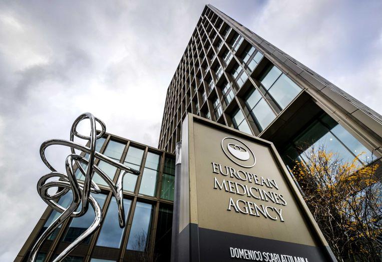 Het Europees Geneesmiddelenbureau (EMA) in Amsterdam. Maandag hakt het EMA de knoop door na adviezen uit alle Europese lidstaten. Beeld ANP