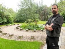 Peter is de nieuwe beheerder van begraafplaatsen in Haaksbergen: 'Zelfs een begraafplaats is op een gegeven moment gedateerd '