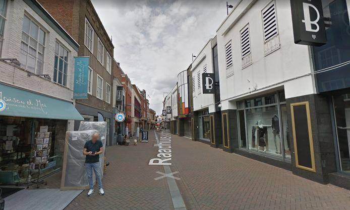 De Raadhuisstraat in Roosendaal moet straks door alle geveltuintjes een stuk groener ogen.