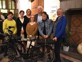 Lokale shoppers winnen elektrische fiets