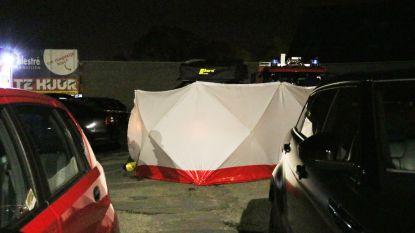 Man overlijdt na tragisch ongeval op parking