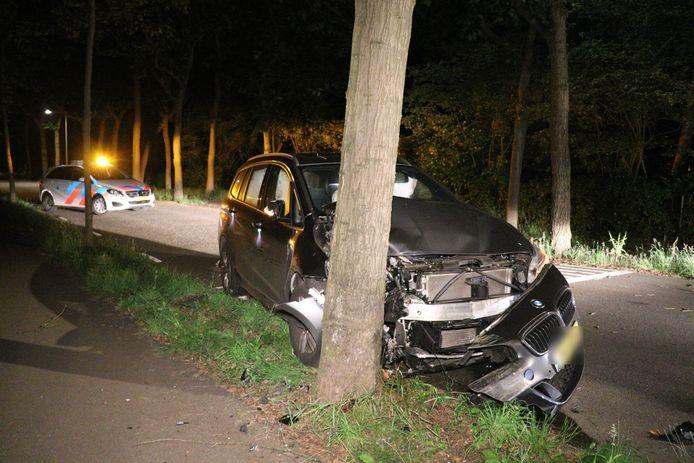 De auto moest vanuit Bosch en Duin worden weggesleept door een berger.