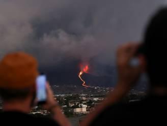 Lava op La Palma nadert de zee, vier gebieden in lockdown