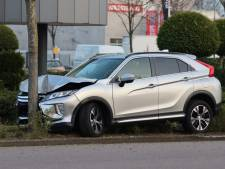 Automobilist rijdt wagen total loss tegen boom