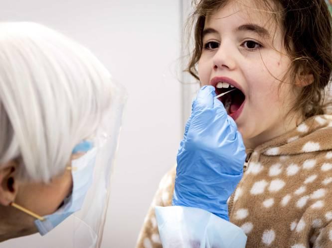 OVERZICHT. Aantal nieuwe besmettingen blijft stabiel, net als ziekenhuisbezetting