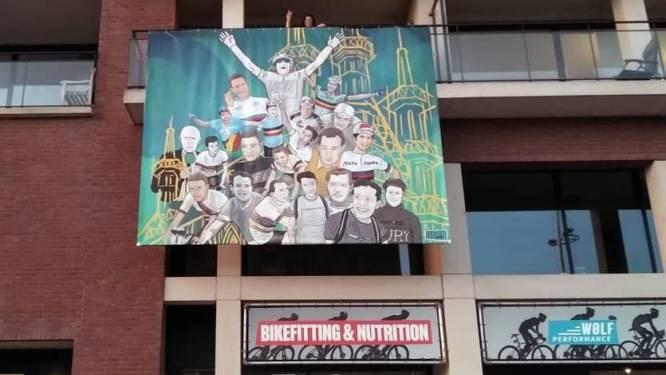 """Grote tifo aan Vaartkom maakt indruk: """"We hebben de banner zelfs een naam gegeven"""""""