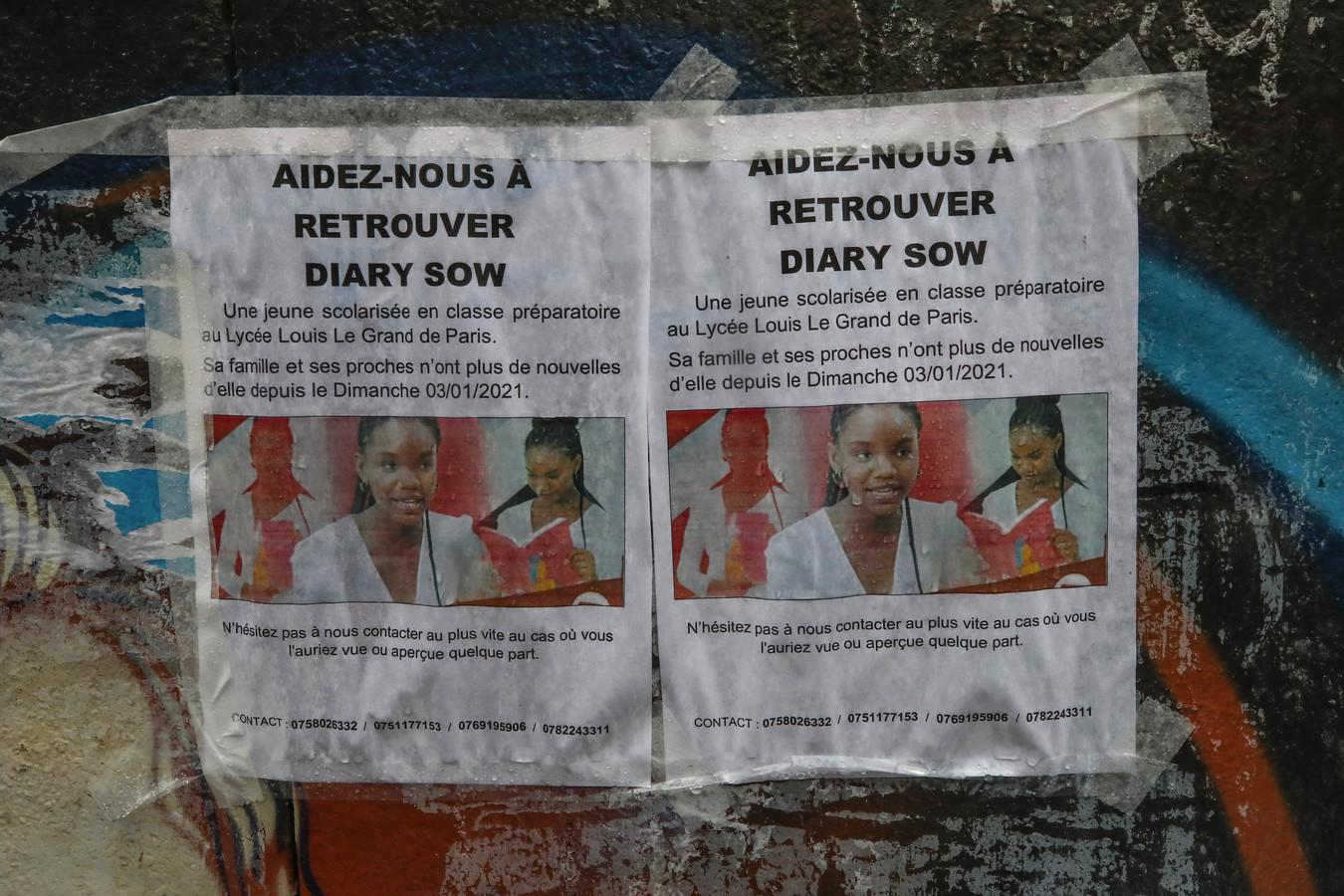 L'avis de recherche placardé sur les murs du lycée Louis-le-Grand, à Paris