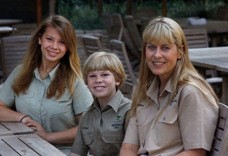 Terri (r) met dochter Bindi en zoon Robert, in 2013.