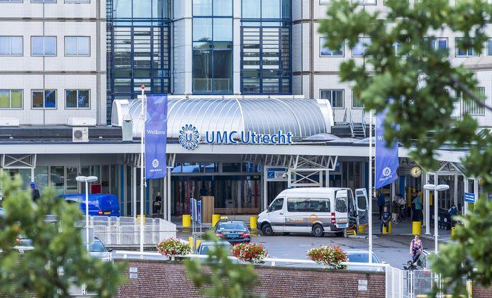 Het UMC Utrecht, waar de toestand van patiënten via een draadloze sensor in een pleister gevolgd kan worden.