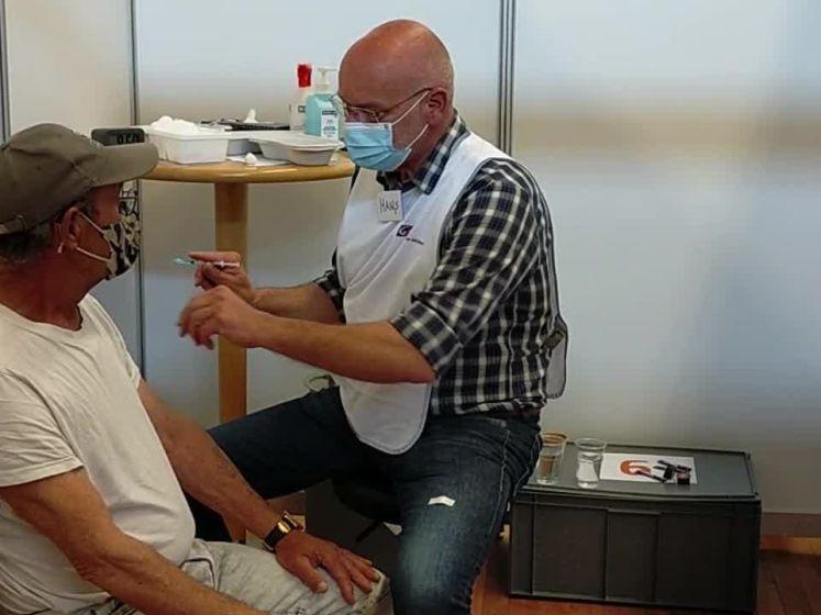Zo verloopt het vaccineren bij de GGD in Ede