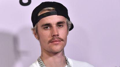 Justin Bieber schenkt 25.000 dollar aan fans die het moeilijk hebben