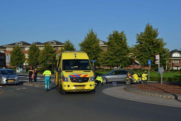 Een vrouw is zaterdagochtend zwaargewond geraakt na een aanrijding in het centrum van Bemmel.