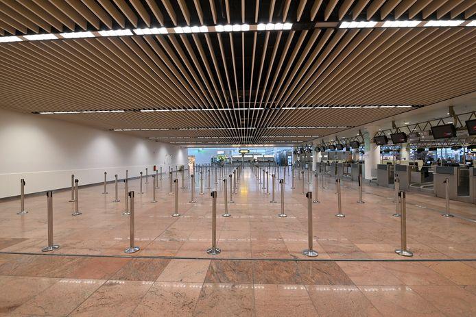 Verlaten vertrekhal op luchthaven in Zaventem