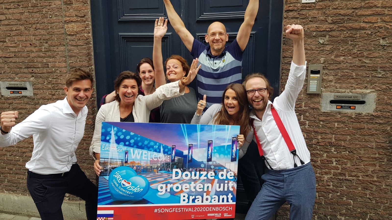 Huibert Wilschut (rechts) met het team van Artishock events & markteting dat betrokken was bij het bidbook voor het Songfestival.