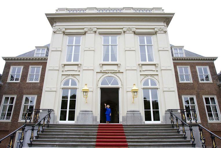 2008-08-27 ARCHIEFFOTO 27-08-2008 - Prinses Beatrix verhuist eind dit jaar of begin volgend jaar naar kasteel Drakensteyn bij Lage Vuursche. Dat maakte de Rijksvoorlichtingsdienst woensdag bekend. Het kasteel is eigendom van de prinses. ANP FRANK VAN BEEK Beeld Capital Photos
