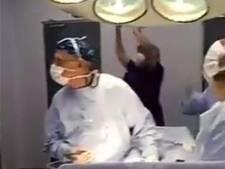 Chileense artsen juichen tijdens operatie om stoppen penalty