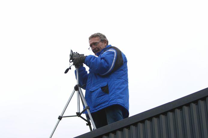 Gerrit Greevink filmt al jaren thuis- en uitwedstrijden van derdeklasser SVVN.