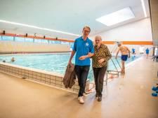 Zwemmers met beperking kunnen soms niet naar zwembad: 'Aantal vrijwilligers moet verdubbeld'