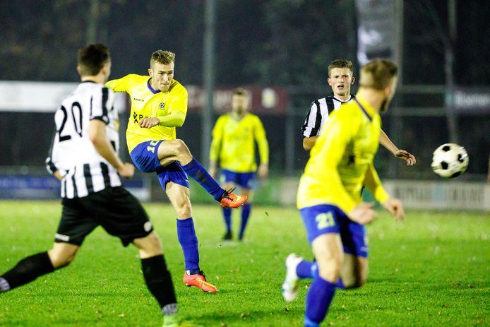 Martijn Brakke gaat het geel en blauw van Staphorst inruilen voor het zwart en wit van Berkum.
