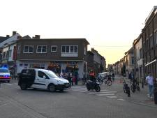 Drongensesteenweg afgesloten na verkeersongeval: bromfietser gewond overgebracht naar het ziekenhuis
