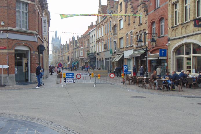 Komend weekend wordt de Menenstraat opnieuw verkeersvrij gemaakt voor shoppers en wandelaars.