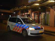 Voortvluchtige overvallers beroven tweetal van mobiel bij station Dukenburg