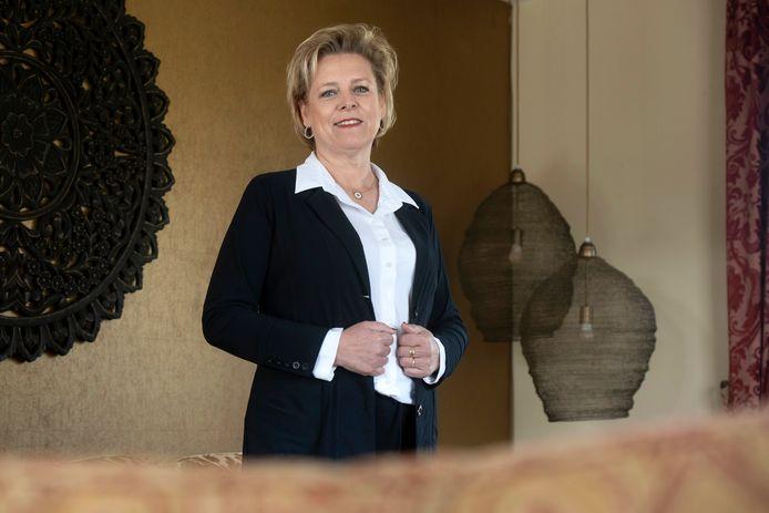 Mireille Mom heeft in Gendt nu ook een afscheidshuis.