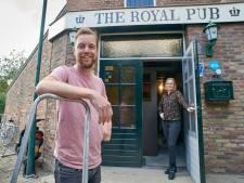 Jonge ouders Johan en Ilone geven Megen koninklijke pub terug