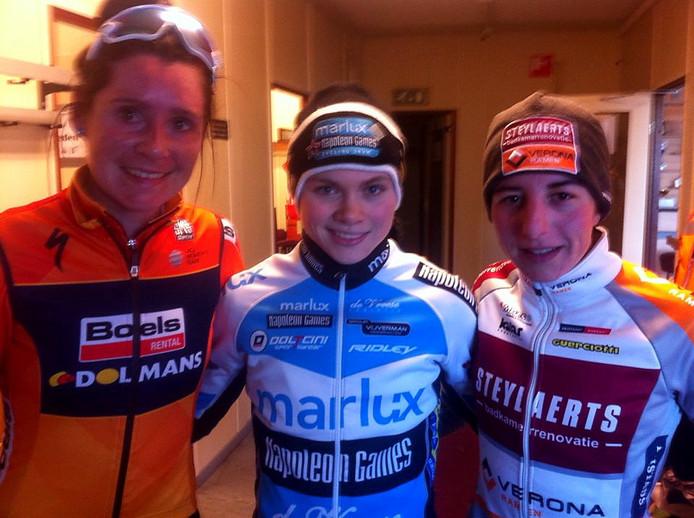 De eerste drie bij de dames in Rucphen voor de huldiging: Brammeier (2), Verdonschot (1) en Kaptheijns Foto Ad Pertijs Twitter