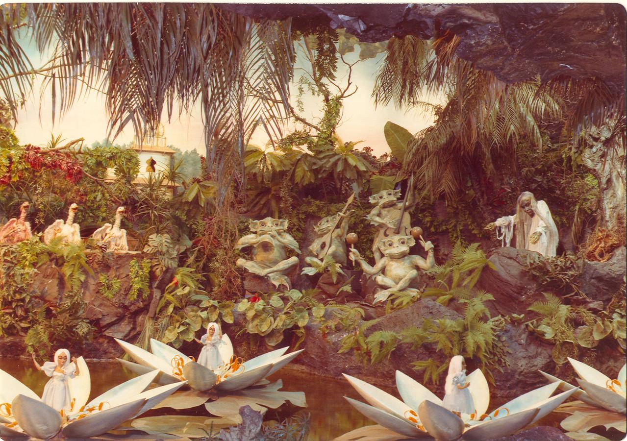 De waterlelies uit de Efteling. De Mos zou ze graag op de Hofvijver zien.