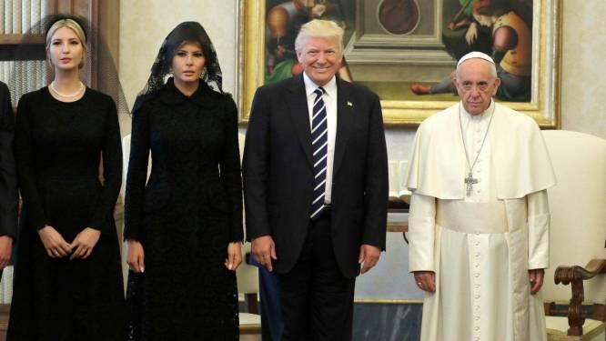 Trump bezoekt paus Franciscus. Maar op deze foto lijken ze er allebei niet evenveel zin in te hebben