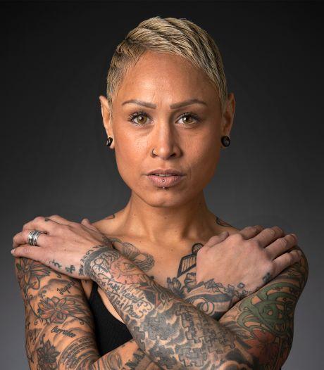 Cynthia was 15 toen ze haar eerste tattoo kreeg. 'Je loog gewoon over je leeftijd'
