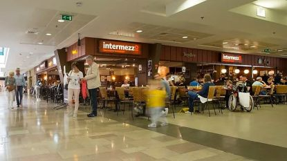 Intermezzo in Ring Shopping breidt fors uit om afstandsregels te respecteren