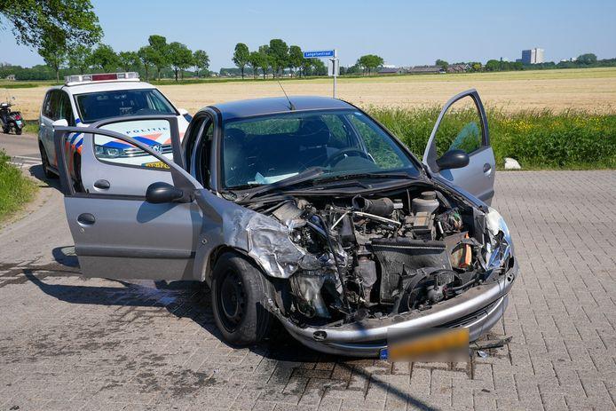 Ook de andere auto raakte beschadigd.