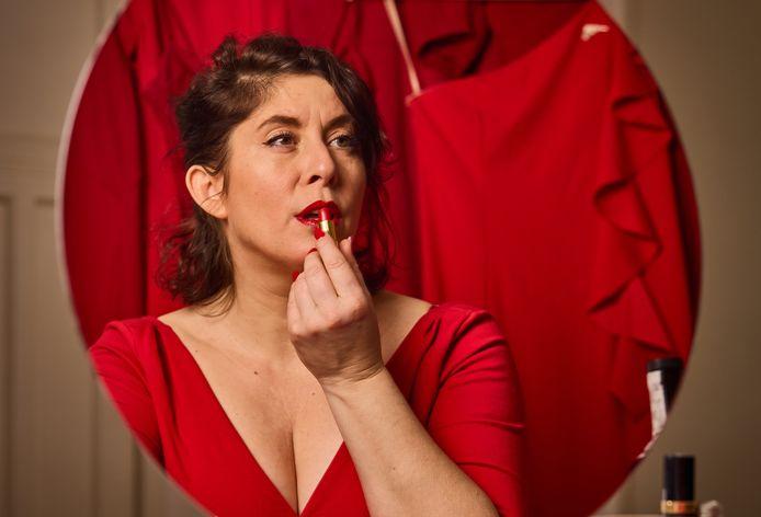 """De Rotterdamse zangeres Dorona Alberti: ,,Ik ben van huis uit een overlever, maar het is nu lastig."""""""