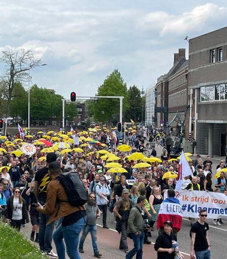 Demonstratie tegen kabinet in Den Bosch verloopt rustig, demonstranten applaudiseren voor gemeente en politie