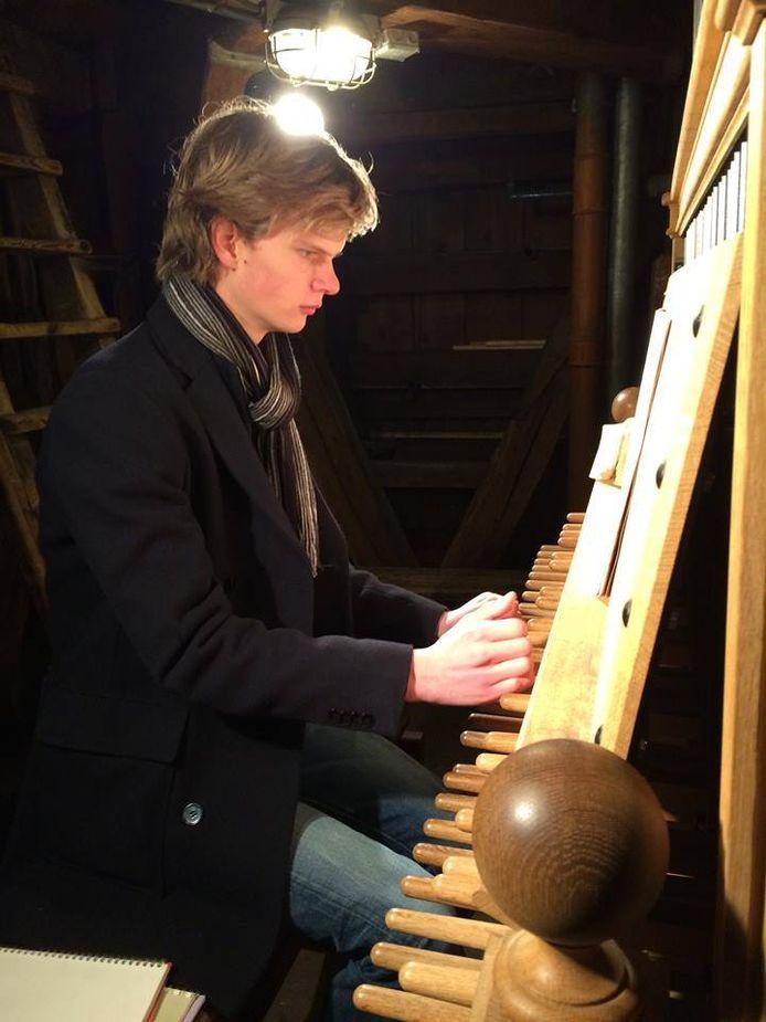 Bob van der Linde wordt de nieuwe beiaardier van de Eusebiuskerk in Arnhem.