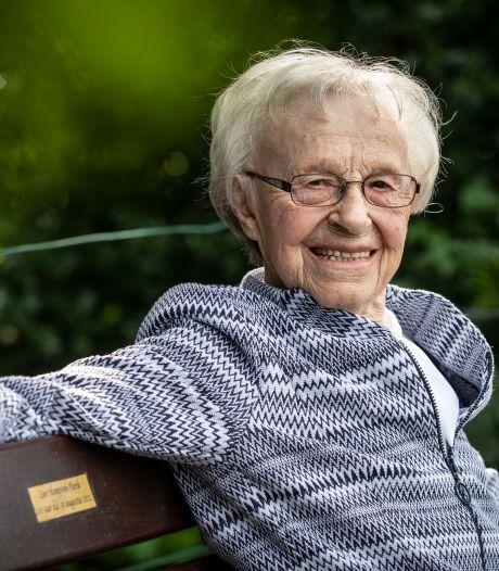 Levensles van 100-jarige Lien uit Weerselo: 'Doe alles met mate'