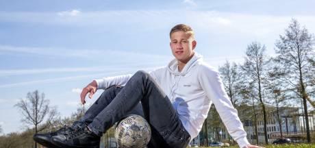 Wageninger Giovanni van Zwam (17) dendert door bij Vitesse: eerste profcontract ligt klaar