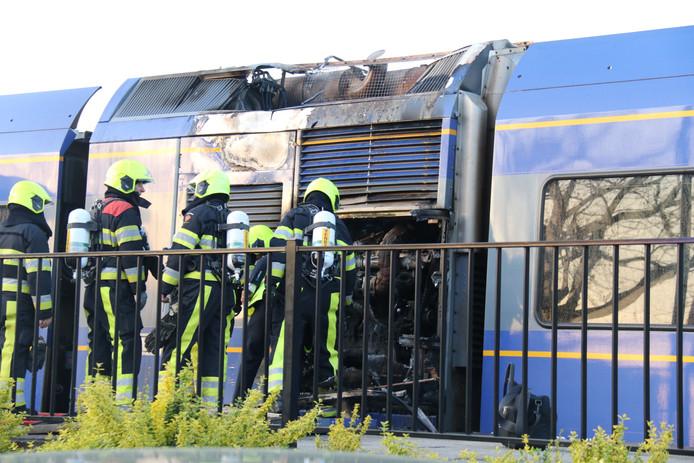 01cf29a06f0 Arriva na de brand: oud-Veoliatreinen zijn veilig   Maasland    gelderlander.nl