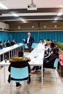 In december sprak wethouder René van Ginderen in de Norbertus Gertrudis Mavo met jongeren.