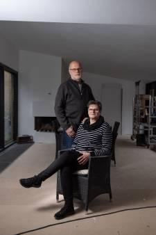 Echtpaar verruilt Baarn voor Boekelo: 'De reuring van de stad en de geneugten van een dorp'