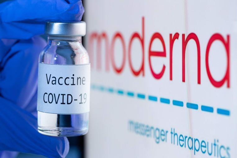 Moderna's vaccin, in een hopeloos getructe foto van de pr-afdeling van het bedrijf. Beeld AFP
