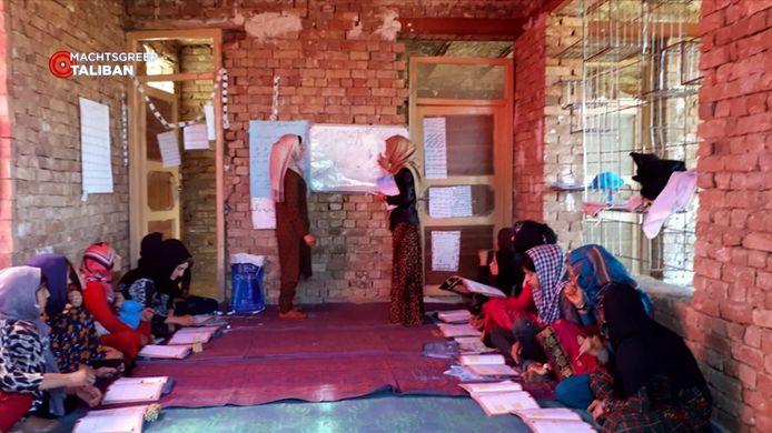 In 12 dorpen richtte Jennie een schooltje op, speciaal voor vrouwen en meisjes