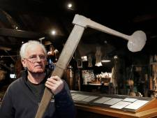 Visserijmuseum Woudrichem krijgt bijzondere antieke ijsbijl