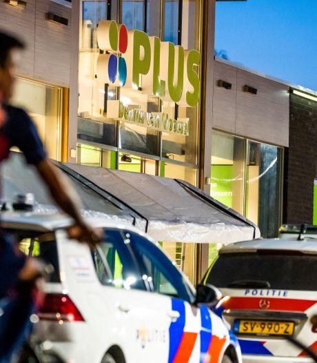 Getuigen probeerden overvallers Plus in Budel-Schoot nog tegen te houden, maar die vluchtten naar België: 'Dit is verschrikkelijk'