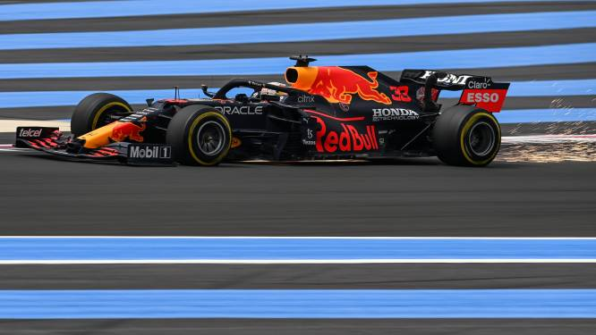 WK-leider Verstappen pakt pole in Frankrijk, Mercedes-coureurs Hamilton en Bottas op twee en drie